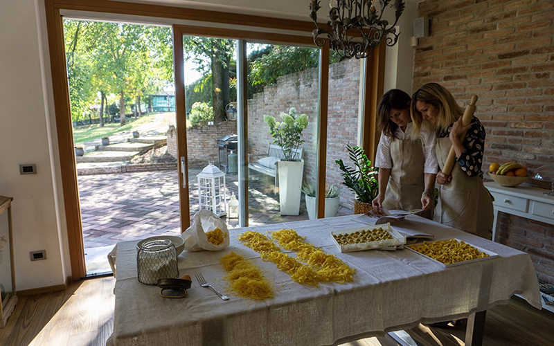Discover the old market and make fresh pasta