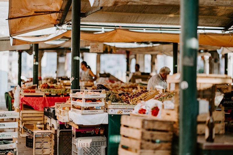 Mercato lago di Garda